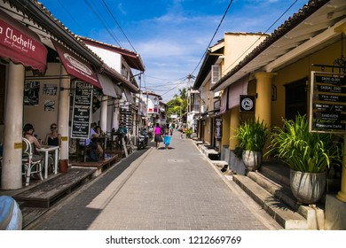 GALE, SRI LANKA-JAN 6, 2107:The street of the dutch fort Galle on Jan 6, 2017. Sri Lanka. Galle - the largest city and port in the south of Sri Lanka the capital of the southern province .