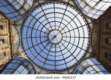 Galleria Vittorio Emanuele II, Shopping Mall, Shopping galleria in Milan, Italy