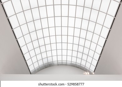 Gallery symbol, Glass roof, Well lit exhibition room, Large roof glazings, Large skylight, Gallery natural lighting