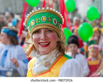 GALWAY, IRELAND - MARCH 17:Unidentified woman in Russian traditional costume performs at the annual St. Patrick's Day Parade on March 17, 2012 in Galway, Ireland.