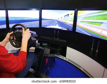 Game racing simulator