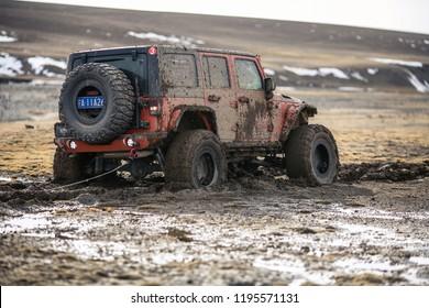 Gan su china April 25 2014 jeep cross-country in no man's land