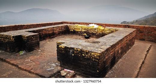 Gandhakuti or the Buddha's cottage at the top of  Griddhakuta hill.