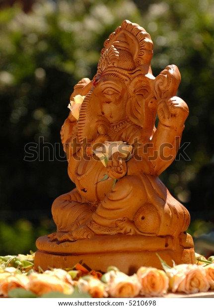 Ganesh statue, picture taking at Indian wedding
