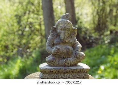 ganesh stone statue