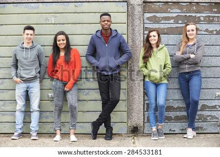 teini-ikäinen opas suku puoleen