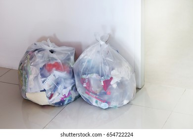 Garbage bag in the office, White garbage bag trash, Dry waste, Recyclable waste paper scrap, 3R