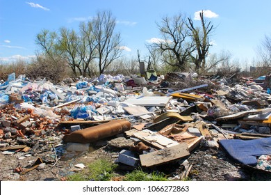 Garbage on unauthorized landfill