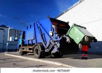 garbage transport car loading