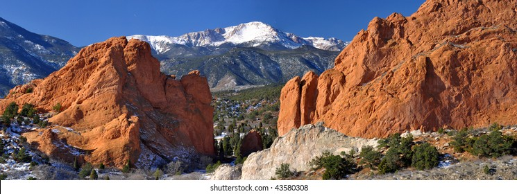 Garden of the Gods Panarama with snowcapped Pikes Peak near Colorado Springs, Colorado