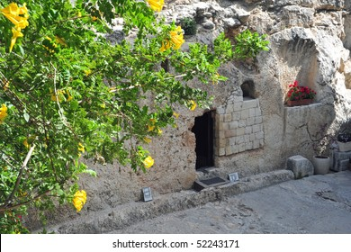 Garden Tomb in Jerusalem, one of two sites proposed as the place of Jesus' burial