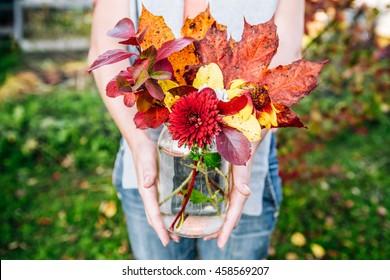 Garten Herbst Blumen Stock Photos People Images Shutterstock
