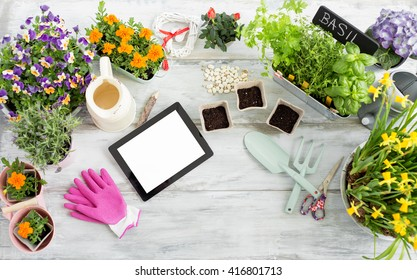 Gardening kit with tablet