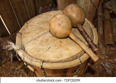 garifuna drum and maraca in Honduras