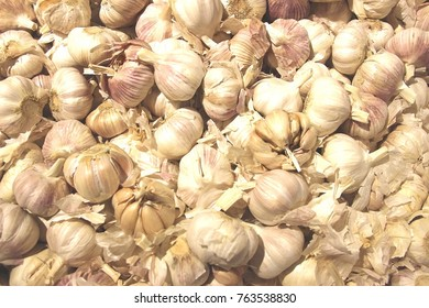 Garlic cloves for sale in supermarket