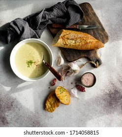 garlic creamy french soup,  Aïgo Bouido