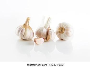 Garlic on a white plate