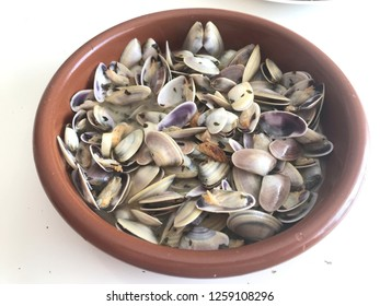 garlic wedge clam