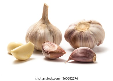 garlics isolated on white backgroung