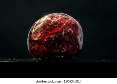 garnet gem stone