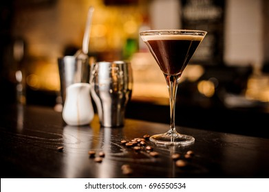 garnish martini espresso cocktail drink foam coffee bean on top bar counter