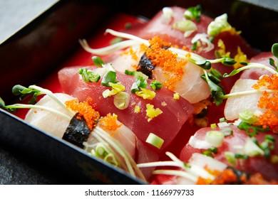Garnished sushi set