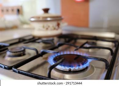 Gasverbrennung aus einem Küchengasherd