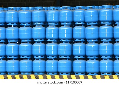 gas cylinder storage for delivery