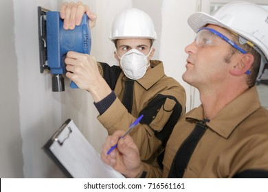 gas fitter and his supervisor