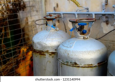 Gas in Israel. Israel gas bottles balloons. Gas in cylinders in Israel with propane butane