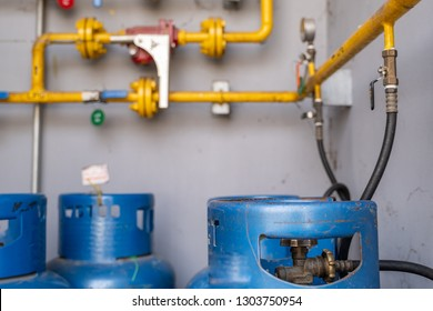 gas tank LPG( Liquid Petroleum Gas) Connect to the system Fire alarm on fire   safety in a factory make food Gas pipe Open close Auto