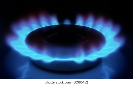 Gas torch (ring) with a dark blue flame