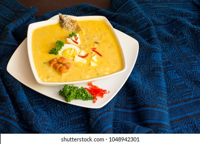 a gastronomic photograph of an Ecuadorian Easter dish called fanesca