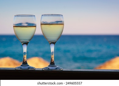 gastronomy in greece - white wine in santorini