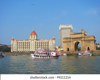 Gate of India and hotel Taj Mahal Palace, Mumbai (formerly Bombay), India
