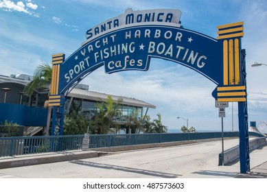 gate of santa monica pier