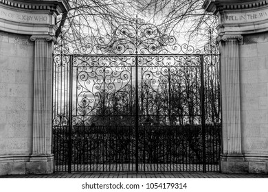 The gates of Rugby
