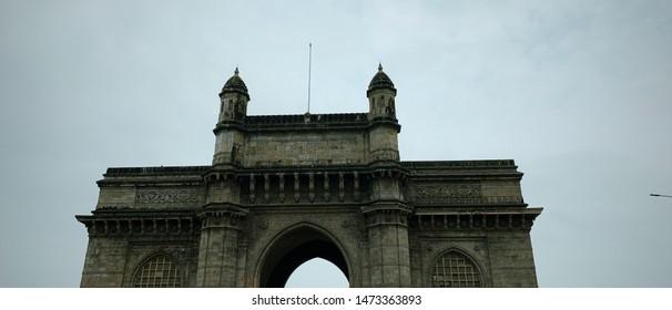 gateway of India Mumbai building, built by British people.