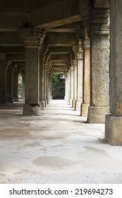 gateway in lodhi garden tomb