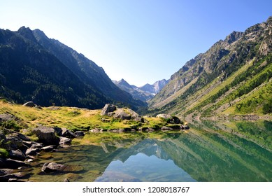 Gaube lake with mount Vignemale in the background.Pyrenees mountain,France.