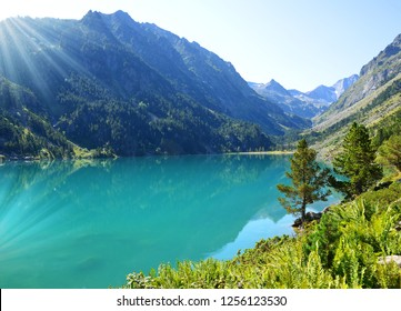 Gaube lake in the Pyrenees national park,France. Summer mountain landscape at sunrise.