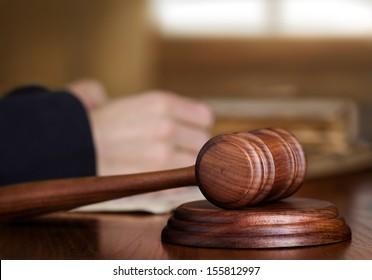 Gavel & judge
