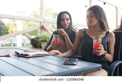 Chubby lesbians enjoying each other