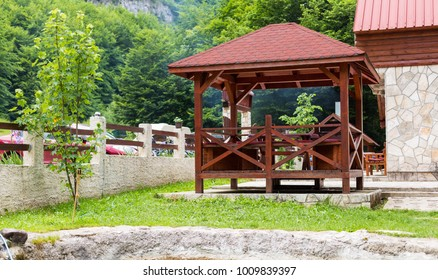 Gazebo, pergola in parks and gardens - relax and unwind