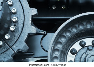 gears working mechanism powerful work cycle metal wheel