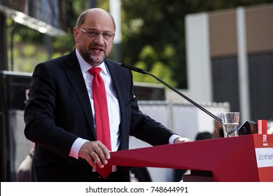Gelsenkirchen, Germany. 20 September 2017. Martin Schulz, leader of the SPD (Social Democratic Party) giving a speech during the 2017 Bundestag election campaign in Gelsenkirchen.