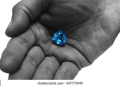 gema diamante azul agua marina zafiro rubi joya gemologo - Gemstone blue diamond water sapphire Gemologist