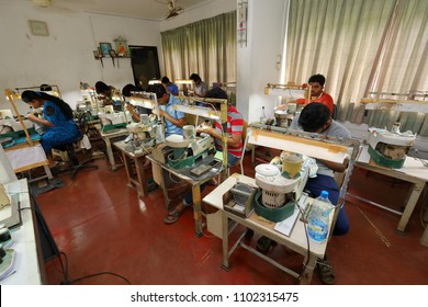 Sri Lanka Gemstones Images, Stock Photos & Vectors