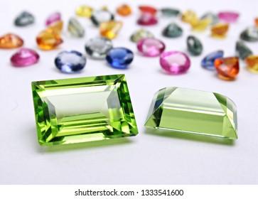 ัnatural gemstone green peridot  sapphire with fancy color sapphire oval cutting