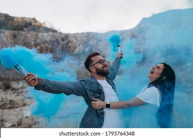 Gender reveal perty. Future parents will know whether a boy or a girl will be born
